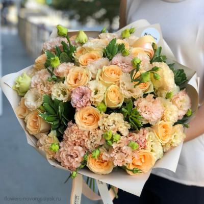 Роза и лизиантус