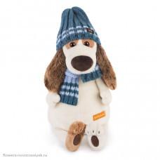 Bartholomew в голубой шапке и шарфе