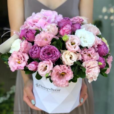 Цветы в коробке с гранями 15