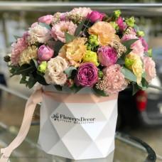 Цветы в коробочке с гранями